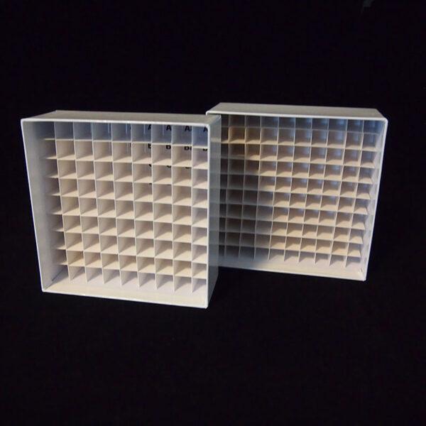 Cardboardboks 9x9 med og uden grid